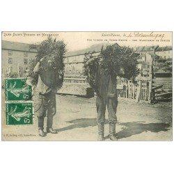 carte postale ancienne ILES SAINT-PIERRE ET MIQUELON. Les Marchands de Spruce 1909. Terre-Neuve Viieux Métiers