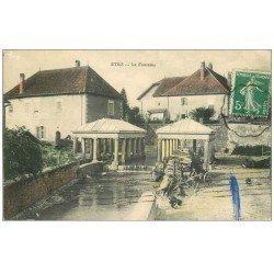 carte postale ancienne 70 ETUZ. La Fontaine Lavoir