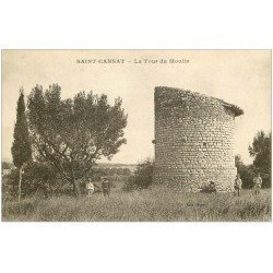 carte postale ancienne 13 SAINT-CANNAT. La Tour du Moulin avec Enfants. Tampon Militaire 1928