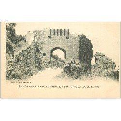 carte postale ancienne 13 SAINT-CHAMAS. Visiteur à la Porte du Fort. Carte pionnière vers 1900 vierge