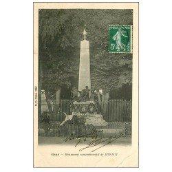 carte postale ancienne 70 GRAY. Monument Guerre 1870. Léger frippement 1905