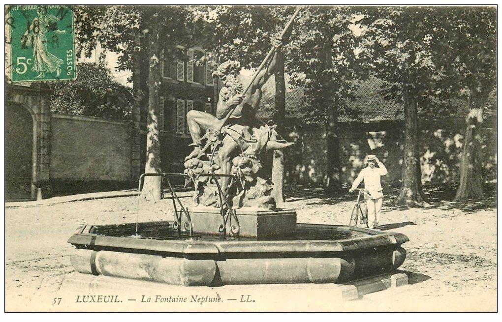 carte postale ancienne 70 LUXEUIL. La Fontaine Neptune