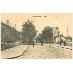 carte postale ancienne 70 VESOUL. Passage à niveau 1914