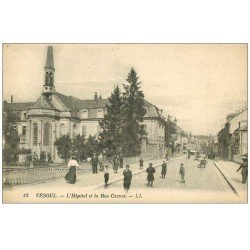 carte postale ancienne 70 VESOUL. Rue Carnot et l'Hôpital