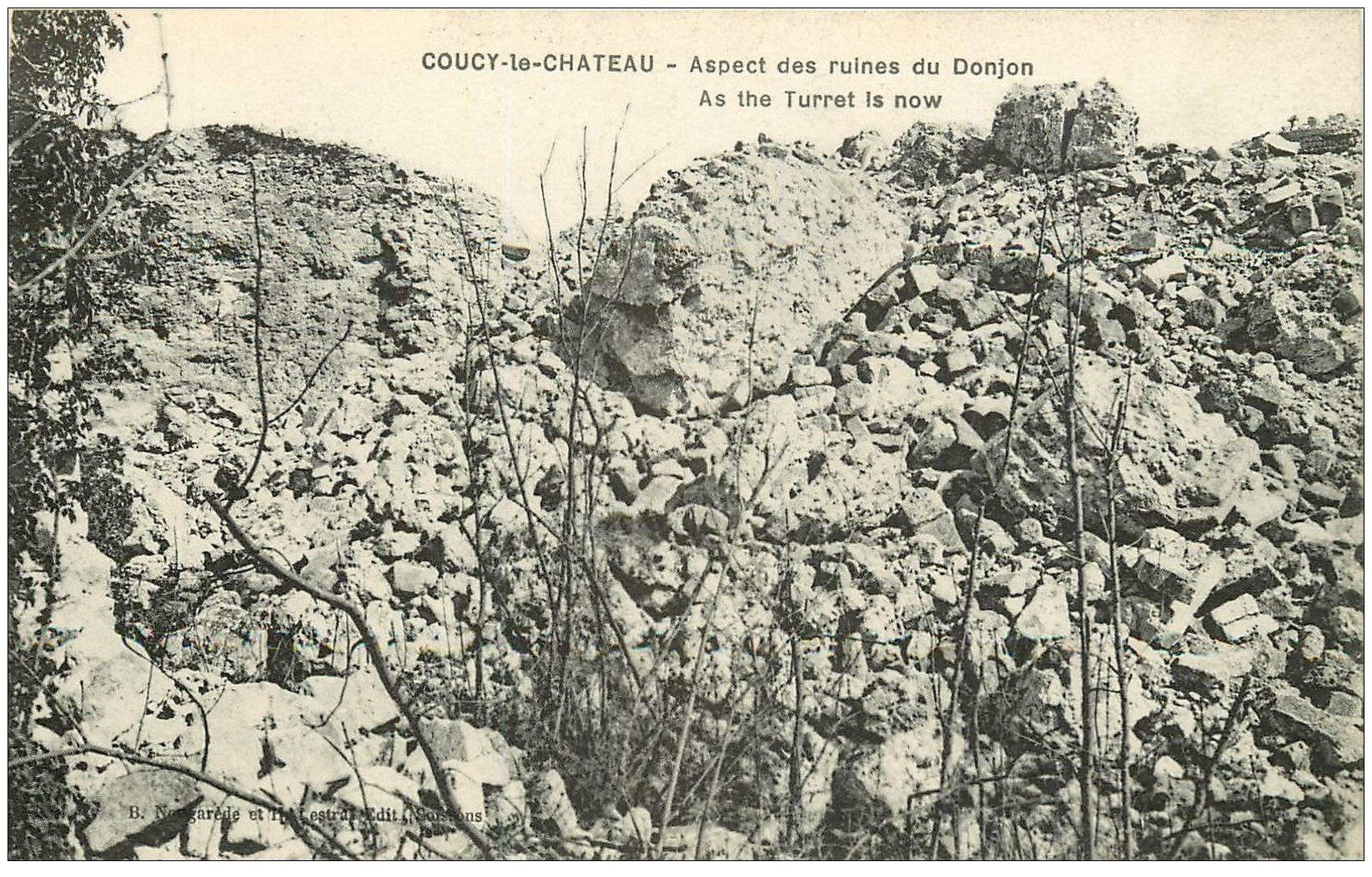 carte postale ancienne 02 COUCY-LE-CHATEAU. Ruines du Donjon