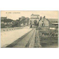 carte postale ancienne 71 AUTUN. Porte d'Arroux attelage Citerne