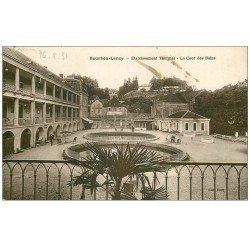 carte postale ancienne 71 BOURBON-LANCY. Cour des Bains Etablissement Thermal 1931