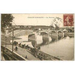 carte postale ancienne 71 CHALON-SUR-SAONE. Pêcheurs à la ligne et Attelage livraison au Nouveau Pont 1930