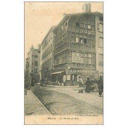 carte postale ancienne 71 MACON. Vendeuse quatre-saisons devant Maison de Bois 1905