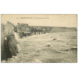 carte postale ancienne 14 ARROMANCHES. Digue par gros temps n°72