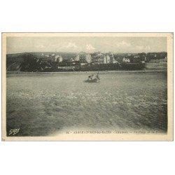carte postale ancienne 14 ARROMANCHES. Enfants sur petite embarcation