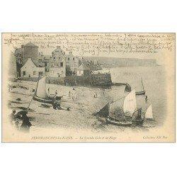 carte postale ancienne 14 ARROMANCHES. Grande Cale bateaux de Pêcheurs vers 1900