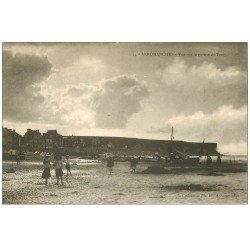 carte postale ancienne 14 ARROMANCHES. Pointe de Tracy le soir