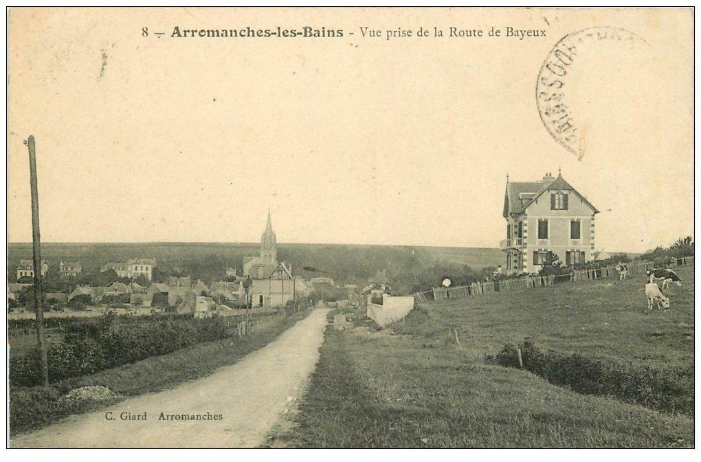 carte postale ancienne 14 ARROMANCHES. Route de Bayeux avec Vaches