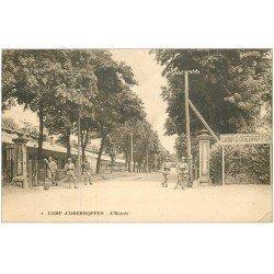 carte postale ancienne 67 CAMP D'OBERHOFFEN. L'Entrée. Militaires et Soldats