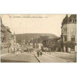 carte postale ancienne 67 SAVERNE ZABERN. Grand'Rue et Place du Château 1933. Café Central