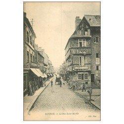 carte postale ancienne 14 BAYEUX. Attelage et vélo rue Saint-Martin
