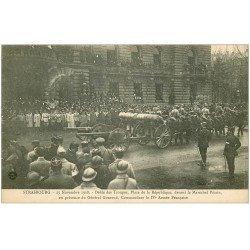 carte postale ancienne 67 STRASBOURG STRASSBURG. Défilé Artillerie mobile. Pétain et Gouraud 1918