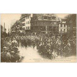carte postale ancienne 67 STRASBOURG STRASSBURG. Fanfare des Chasseurs à pied et à vélo au Pont du Faubourg National