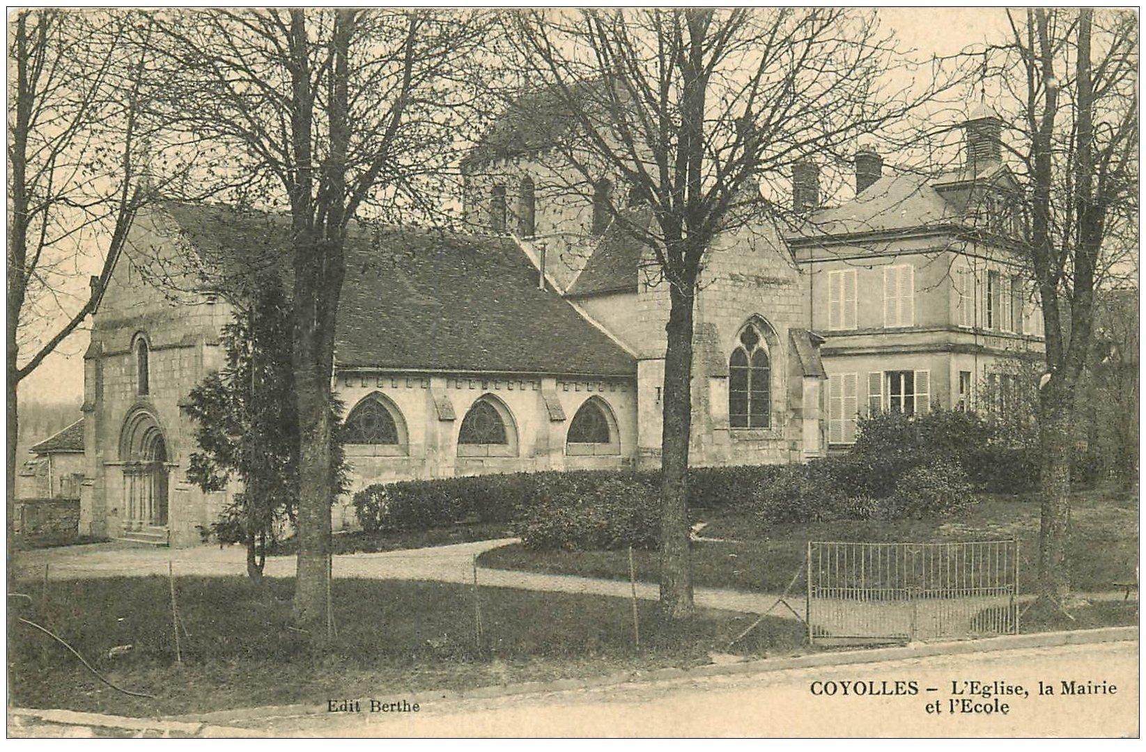 carte postale ancienne 02 COYOLLES. Eglise, Mairie et Ecole