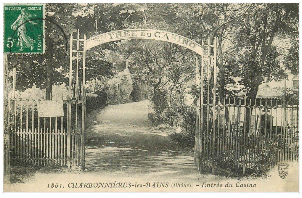 carte postale ancienne 69 CHARBONNIERES-LES-BAINS. Entrée du Casino 1912
