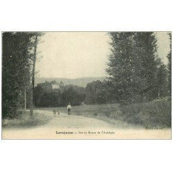carte postale ancienne 69 LARAJASSE. Sur la Route de l'Aubépin 1912