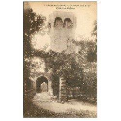 carte postale ancienne 69 L'ARBRESLE. Donjon et Voûte entrée du Château 1936