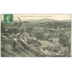 carte postale ancienne 69 L'ARBRESLE. Quartier de la Gare avec Train 1913 Café