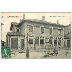 carte postale ancienne 69 LENTILLY. Mairie et Ecoles 1907