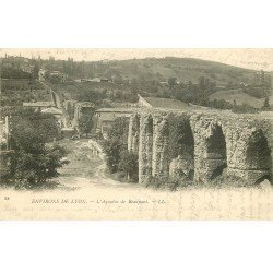 carte postale ancienne 69 LYON. Aqueduc Beaunan. Timbres Taxe 1903