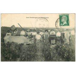 carte postale ancienne 69 VILLEFRANCHE-SUR-SAÔNE. Les Vendanges en Beaujolais 1926. Métiers de la Vigne, Vignoles et Vins
