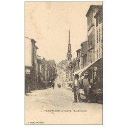 carte postale ancienne 69 VILLEFRANCHE-SUR-SAÔNE. Rue Nationale animée vers 1900