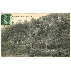carte postale ancienne 72 CHEMIRE EN CHARNIE. Rochers de la Forge 1914