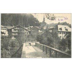 carte postale ancienne 74 ABONDANCE. Entrée avec Cycliste sur le pont 1907