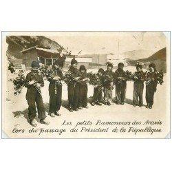 carte postale ancienne 74 ARAVIS. Les Petits Ramoneurs au passage du Président. Carte Photo 1938