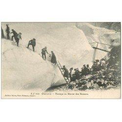 carte postale ancienne 74 CHAMONIX. Passage Glacier des Bossons. Alpinisme et Ascension