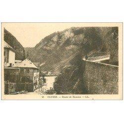 carte postale ancienne 74 CLUSES. Route de Romme et Eglise en travaux