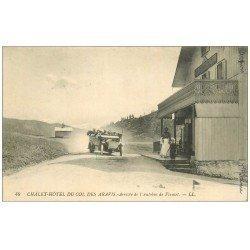 carte postale ancienne 74 COL DES ARAVIS. Châlet Hôtel arrivée de l'Autobus de Flumet 1913