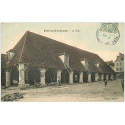 carte postale ancienne 02 FERE-EN-TARDENOIS. La Halle 1906. Vendeuse de cartes postales