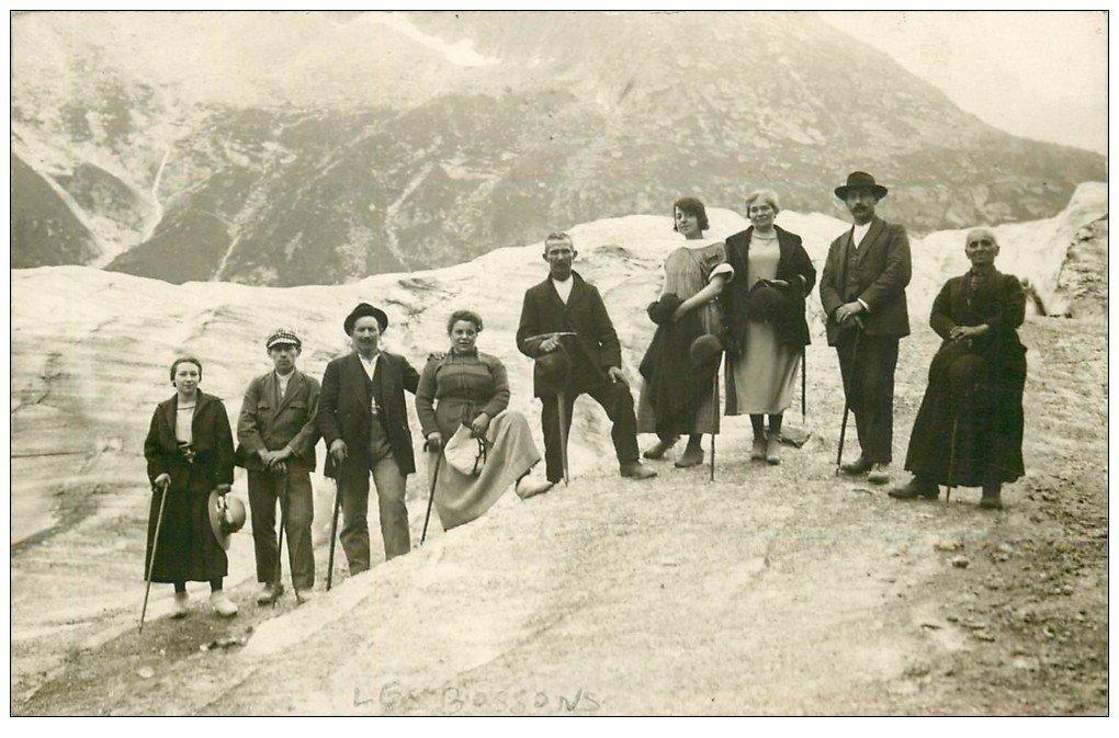 carte postale ancienne 74 LES BOSSONS. Alpinistes Excursions. Rare Carte Photo Famille Barrioz. Saint-Gervais-les-Bains