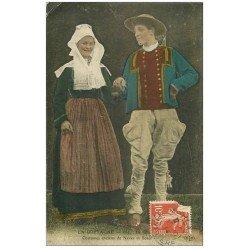 carte postale ancienne LA BRETAGNE. Costumes de Nevez et Scaer 1914