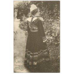 carte postale ancienne LA BRETAGNE. Jeune Fille de Pont-Aven 1929