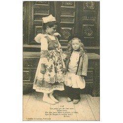 carte postale ancienne LA BRETAGNE. Jeunes Bretons par Botrel