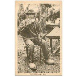 carte postale ancienne LA BRETAGNE. Une bolée de cidre Vieux Breton