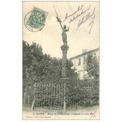 carte postale ancienne 26 NYONS. Statue de la République 1904