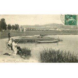 carte postale ancienne 78 VERSAILLES. Pêcheurs à la Pièce d'eau des Suisses 1906 et Orangerie