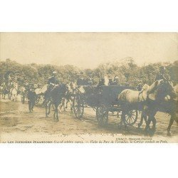 carte postale ancienne 78 VERSAILLES. Journées Italiennes le Cortège en Poste 1903
