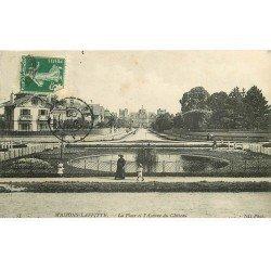 carte postale ancienne 78 MAISONS-LAFFITTE. Avenue du Château et Place 1908 animation