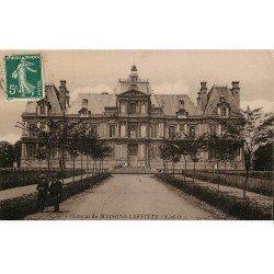 carte postale ancienne 78 MAISONS-LAFFITTE. Animation devant le Château 1912