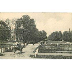 carte postale ancienne 78 MAISONS-LAFFITTE. Avenue Albine attelage au Parc